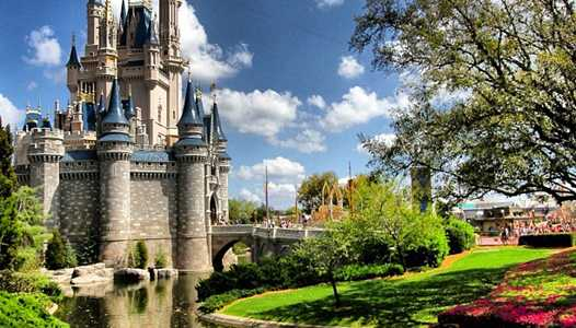 Disney is considering Uber-like guest-paid transportation service around Walt Disney World